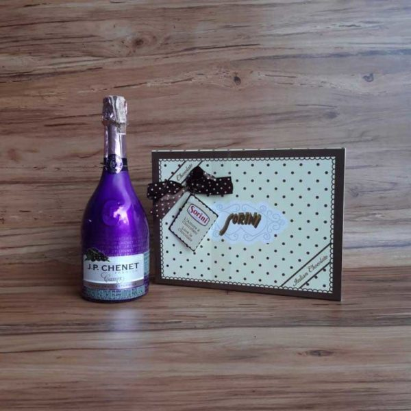 Vino Espumoso JP Chenet Fashion Cassis x 750 ml + Chocolates Sorini Scatola Pois piragua full compra